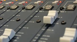 Как узнать, какая песня звучала на радио