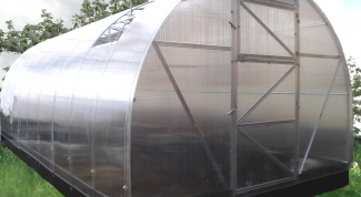How to build a greenhouse made of polycarbonate
