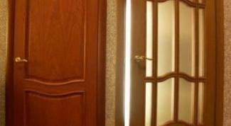 How to remove scratch on door