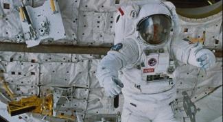 Как сделать костюм космонавта для ребенка