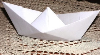 Как сделать из бумаги лодочку