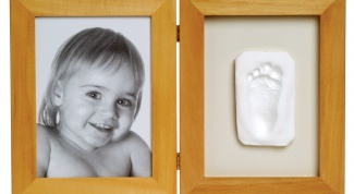 How to make prints of the legs of the child