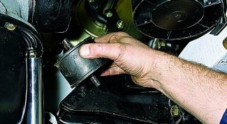 Как проверить подушки на двигателе