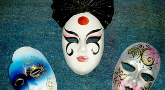 How to make a mask out of plaster