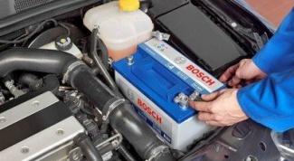 Как снять автомобильный аккумулятор
