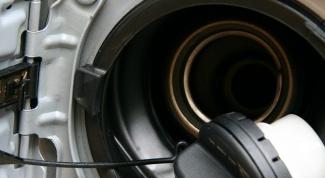Как слить бензин из бака
