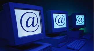 How to do mass mailing of emails