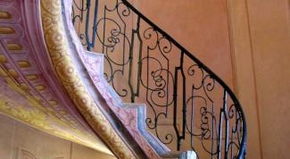 Как крепить лестницу