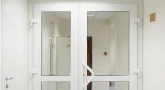 Как установить пластиковую дверь