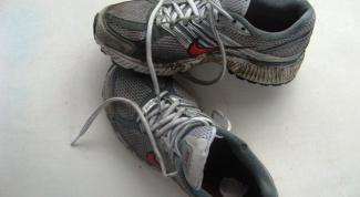 Как удалить пятна с обуви