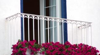 Как утеплить пол балкона