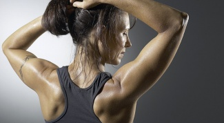 How to remove the smell of sweat on clothes