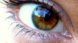 Как удалить соринку из глаза