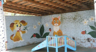 How to decorate the porch of the kindergarten