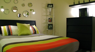 How to arrange a small bedroom