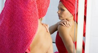 How to distinguish melanoma from nevus