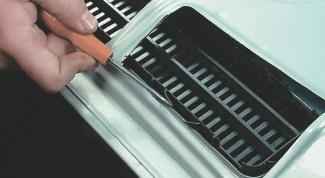 Как открыть капот, если порвался трос