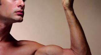 Как накачать плечевые мышцы