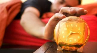Как просыпаться по будильнику