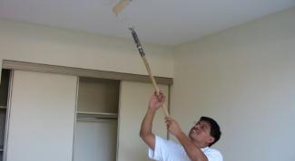 Как окрасить потолок