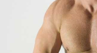 How to pump up your biceps in a month