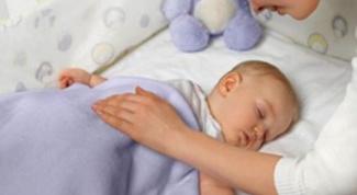 Как укладывать годовалого ребенка спать