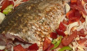 Как запечь рыбу целиком