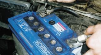 Как разрядить автомобильный аккумулятор