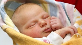 Как заворачивать в одеяло новорожденного