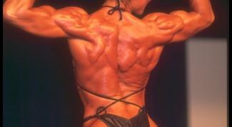 Как накачать плечи и спину