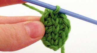 Как связать крючком листья