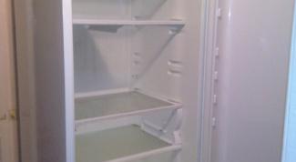 Как снять дверь у холодильника