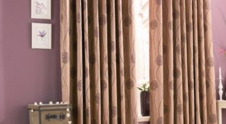 How to sew curtains on the window