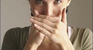 Как избавиться от запаха во рту народными средствами