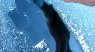 Как убрать лед с машины