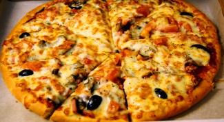 Как готовить пиццу с курицей и грибами