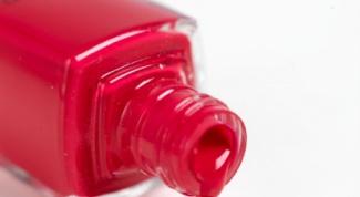Как накрасить лаком ногти