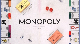 How to play the game Monopoly
