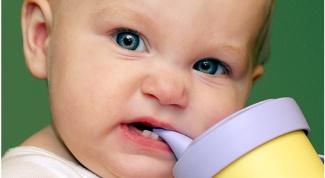 Как определить, что у ребенка режется зуб