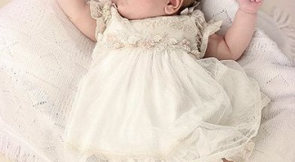 How to dress a newborn in summer