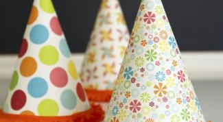 Как сделать самостоятельно колпаки на день рождения