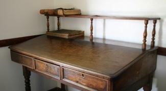 Как покрасить мебель под старину