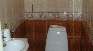 Как устранить запах в туалете