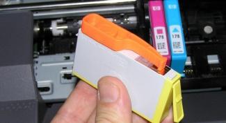 Как вставить катридж в принтер
