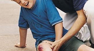 Как оказать первую помощь при переломах