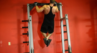 How to hang a horizontal bar