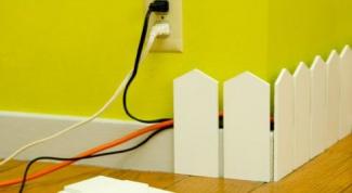 Как спрятать провода на стене