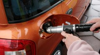 Как вывести пятно от бензина