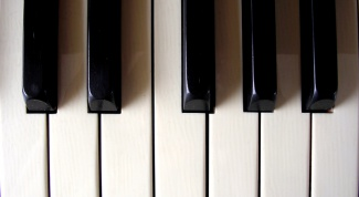 Как играть ноты на синтезаторе
