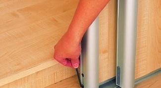 Как отрегулировать шкаф-купе
